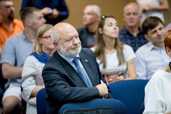 Plungės meras ramia širdimi siunčia vaikus grožėtis Rusija: nebijau kažkokių apšepusių naktinių Kremliaus vilkų