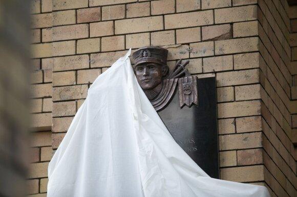 Amerikiečių istorikas: Rusija suteikia užuominų, kokia kryptimi viskas klostysis kitur