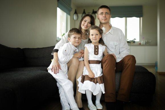 Tado žmona Laura – taip pat vaistininkė. Šeima tikisi, kad ir vaikai perims tėvų specialybę, mat jau dabar jiems padeda dirbti vaistinėje.