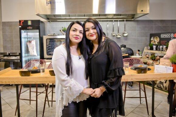 Dainininkės Giulija Baužienė ir jos dukra Monika Sakalauskaitė-Falcon