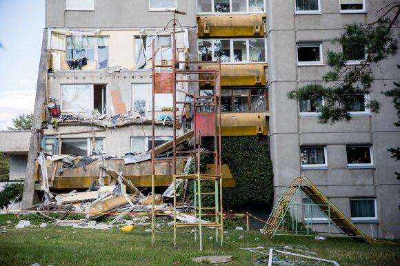 Architektas nejuokauja: senus ir pavojingus daugiabučius laikas tiesiog griauti