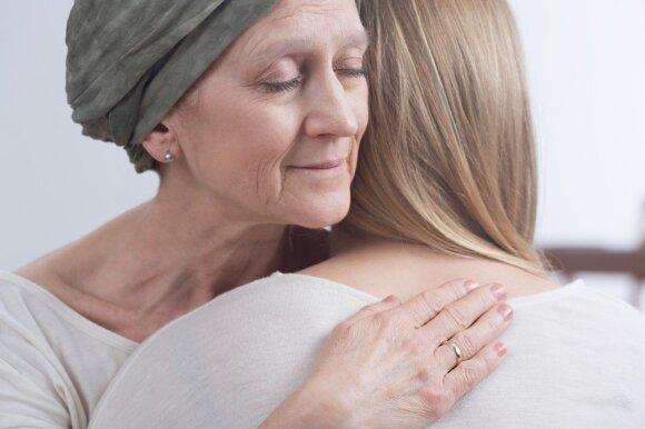 Šių amerikiečių gydytojų nuomonė apie vėžio priežastis ir gydymo būdus gali šokiruoti
