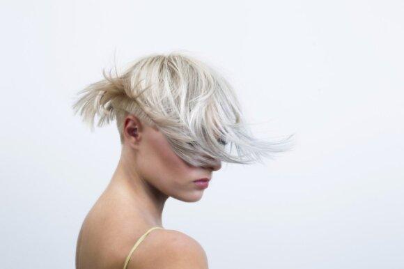 Stiliaus pasikeitimas: gelsva blondinė virto stilinga šviesiaplauke