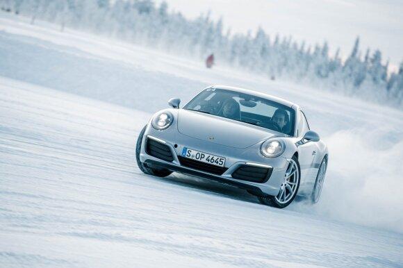 """Porsche"" vairavimo mokymai Laplandijoje"
