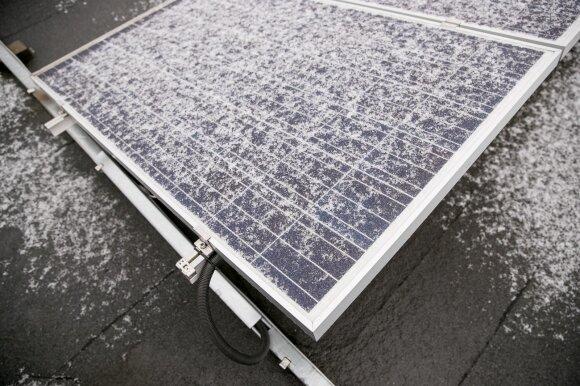 Norintiems įsirengti saulės elektrinę savoms reikmėms – parama: galima bus gauti iki kelių tūkst. eurų