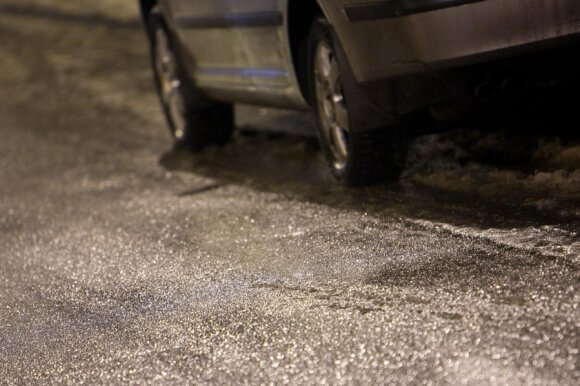 Neįprastas eismo įvykis: kam draudimo bendrovė atlygins žalą?