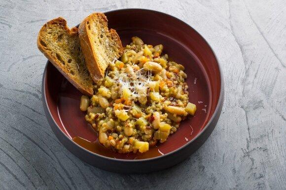 Atvelykiui – itališka keturių grūdų sriuba ir nekeptas maskarponės sūrio tortas
