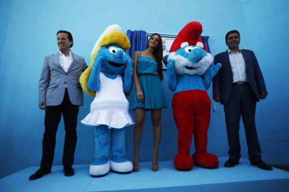"""Filmui """"Smurfai"""" mėlynai nudažytas Ispanijos kaimas nekeis spalvos"""