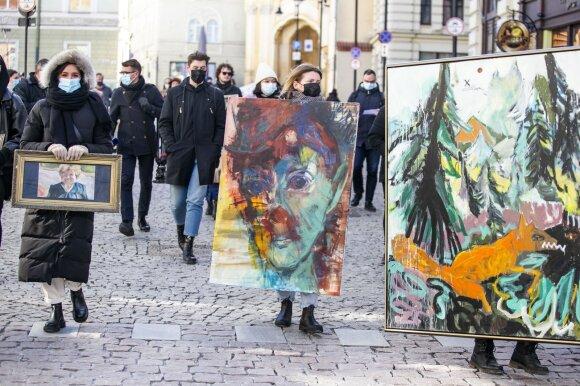 "Protesto akcija ""Einanti paroda"""