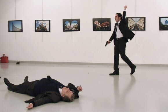 Paslaptingos ir staigios šešių Rusijos diplomatų mirtys sėja sąmokslo teorijas
