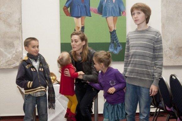 """Žinomi Lietuvos tėvai nesibaido vaikams duoti močiučių vardų <sup style=""""color: #ff0000;"""">FOTO</sup>"""