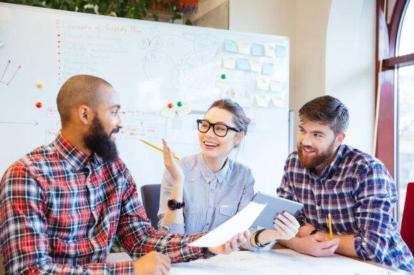 Patenkintas, bet vis tiek žvalgosi naujo darbo – dėl kokių darbuotojų labiausiai turėtų nerimauti darbdaviai