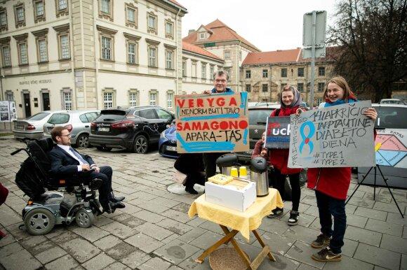 Diabetu sergantis Jurgis netveria pykčiu: vaikas iš valstybės gauna 50 eurų, o jie išleidžiami mano gydymui