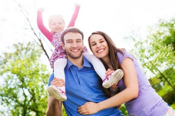 Veiksmingi patarimai, kaip tapus tėvais išsaugoti ypatingą ryšį tarp vyro ir moters