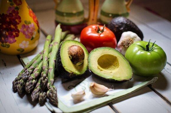 Milijonai kasmet miršta dėl netinkamos mitybos: mokslininkai pirštu duria į vieną produktų grupę