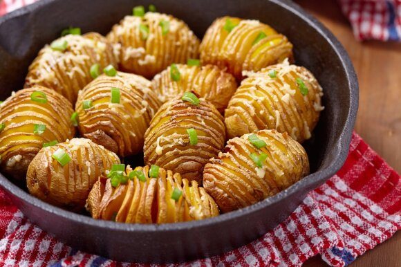 Maisto derinimas: kodėl nereikėtų valgyti mėsos su bulvėmis