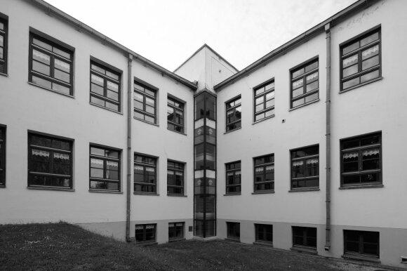 Telšių Žemaitės gimnazija. G. Česonio nuotr.