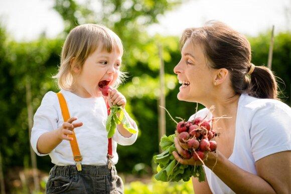 Specialistė patarė, ką daryti, kad vaikai valgytų daugiau vaisių ir daržovių