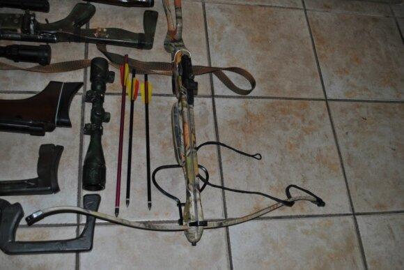 Daugų gyventojas internete pirkdavo ginklus ir juos tobulindavo