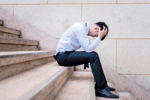 Smurtą artimoje aplinkoje patiria ir vyrai: specialistas papasakojo, su kokiomis problemomis susiduria dažniausiai