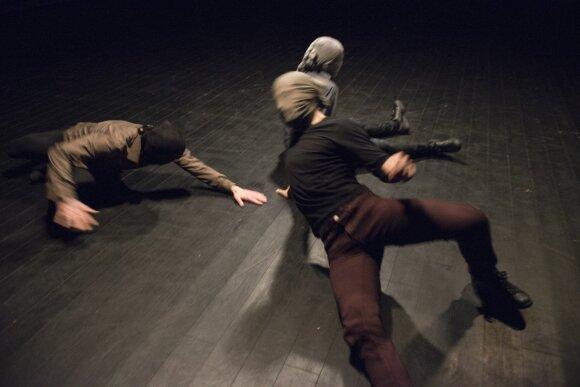 """""""Naujajame Baltijos šokyje"""" – stilių mišinys: nuo breiko, hiphopo iki """"krampo"""""""
