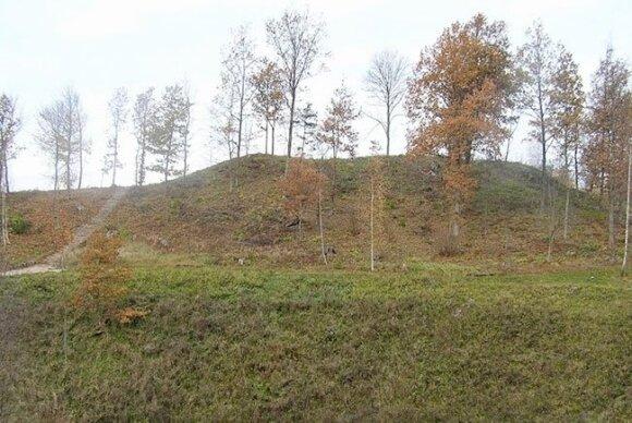 Lopaičių piliakalnis