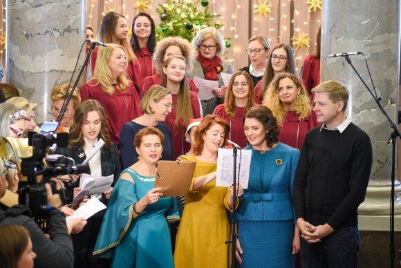 Diana Nausėdienė dalyvauja kalėdiniame labdaros renginyje