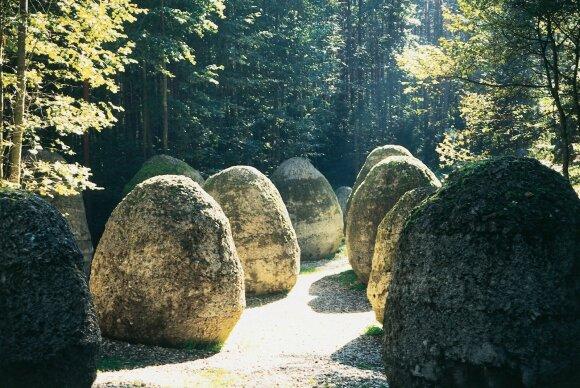 Europos parkas. Magdalenos Abakanowicz rieduliai