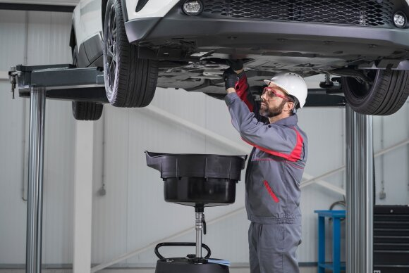 Automobilio apžiūra servise