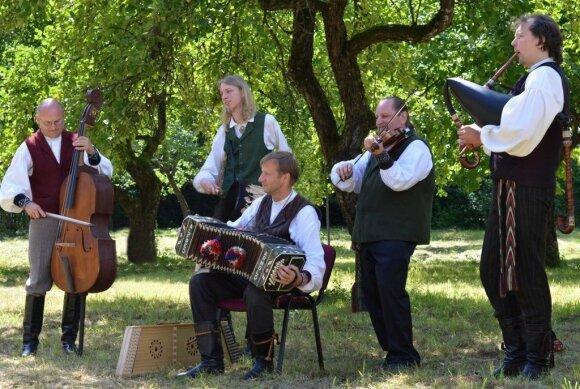 """Griežynė 2016"". Lietuvių folkloro ansamblis ""Vydraga"""