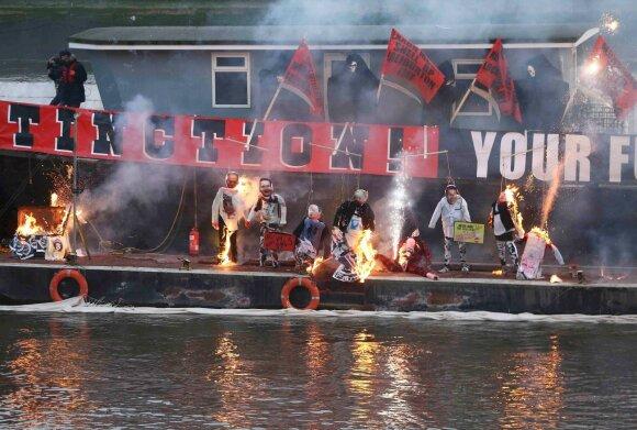 В Лондоне сожжена коллекция вещей Sex Pistols на 6 млн долларов