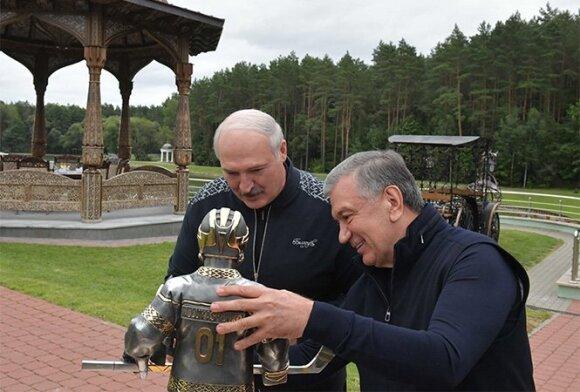 """Лукашенко рассказал, что считает """"фишкой"""" визита президента Узбекистана в Беларусь"""