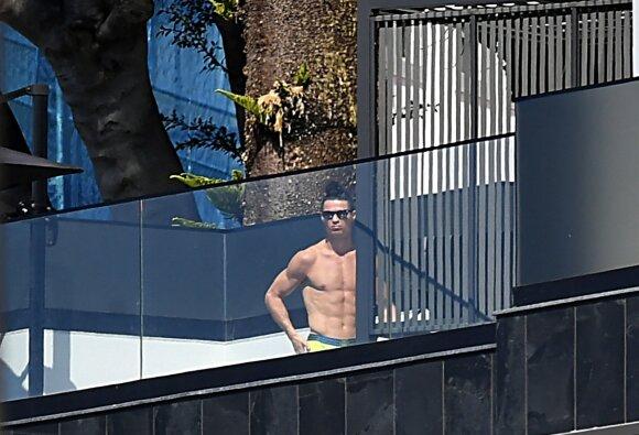Paparacų nuotrauka: Cristiano Ronaldo privačiame name Madeiroje