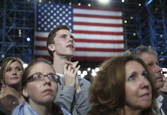 N. Fergusonas: istorija rodo, kad tokie kaip D. Trumpas visiškai nejuokauja