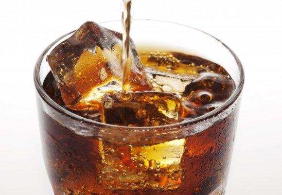 Kokakola gėrimas peiktinas dėl kofeino gausos