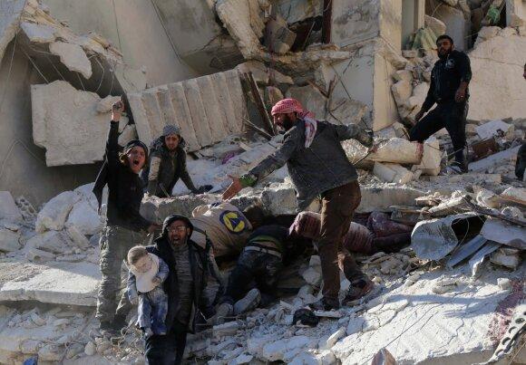 """Rusija užsipuolė JT humanitarinės pagalbos vadovą dėl pareiškimo apie """"žudymo zona"""" virtusį Alepą"""