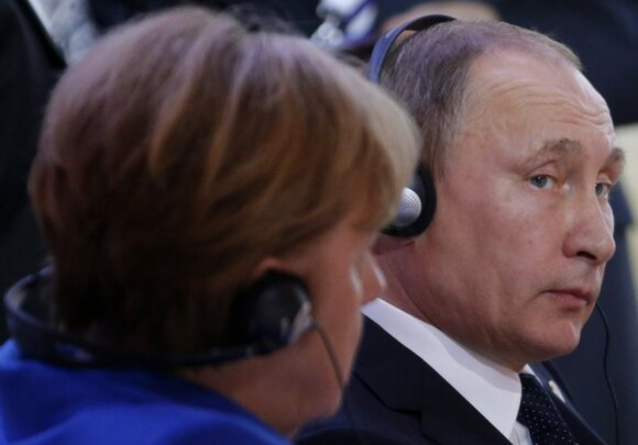 V. Putinas, A. Merkel