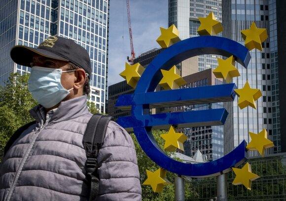 Kaip vieno ekonomisto protestas ant plauko pakabino 740 mlrd. Europos atsigavimo fondą