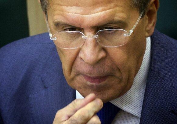 J. Kerry: separatistai Ukrainoje ginkluoti Rusijos ginklais