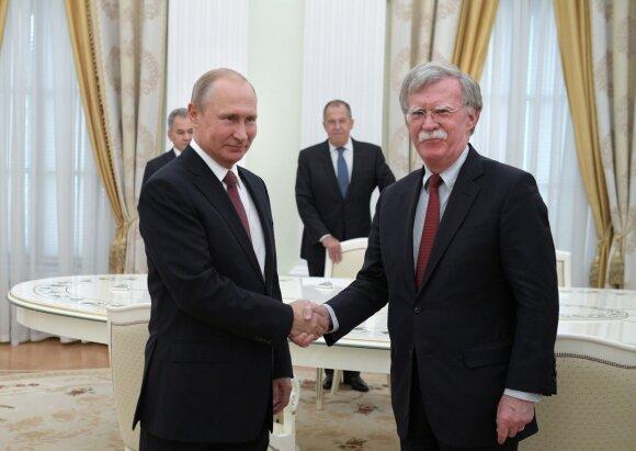 Putino ir Trumpo susitikimo tikroji reikšmė: ką už uždarų durų galėjo pažadėti JAV prezidentas