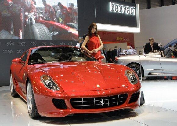 Automobilis Ferrari F430
