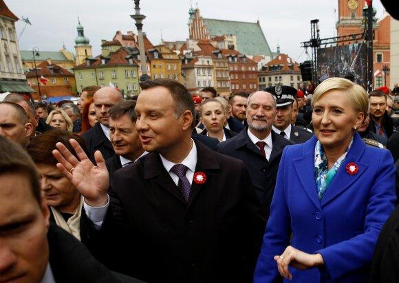 Lenkijos prezidentas Andrzejus Duda ir jo žmona Agata Konstitucijos dienos šventėje (2017 05 03)