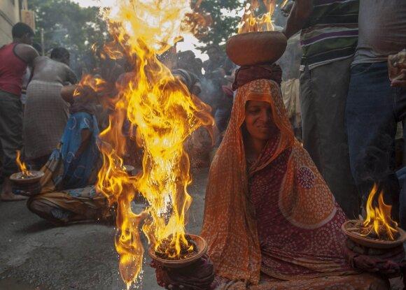 Neįtikėtini ritualai pasaulyje, kurie vis dar egzistuoja