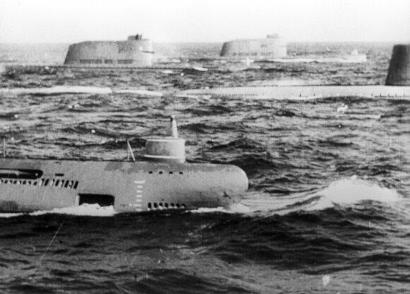 Sovietų povandeninių laivų flotilė pratybose 1965-ųjų vasarą