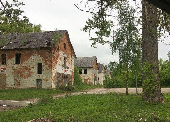 Sujudimas apleistoje raketų bazėje netoli Kauno: ką ten veikia sunkioji technika?