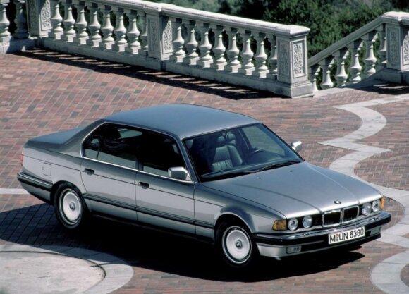 BMW 750iL (1987 m.)