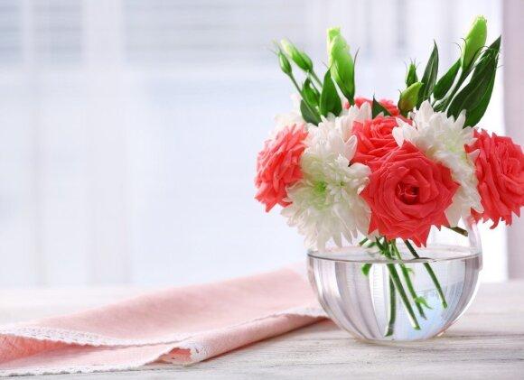 Gudrybės, kad skintos gėlės džiugintų ilgiau
