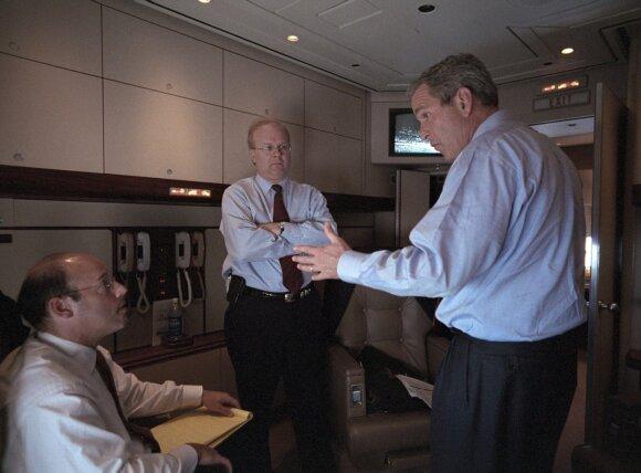 Ari Fleischeris, Karlas Rove'as, George'as W. Bushas