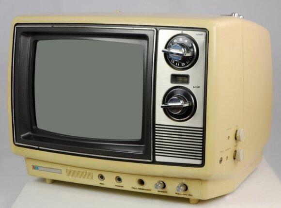 Įprastas tarybinis kineskopinis televizorius turėjo 51-61 cm įstrižainės ekraną ir... dažnai gesdavo