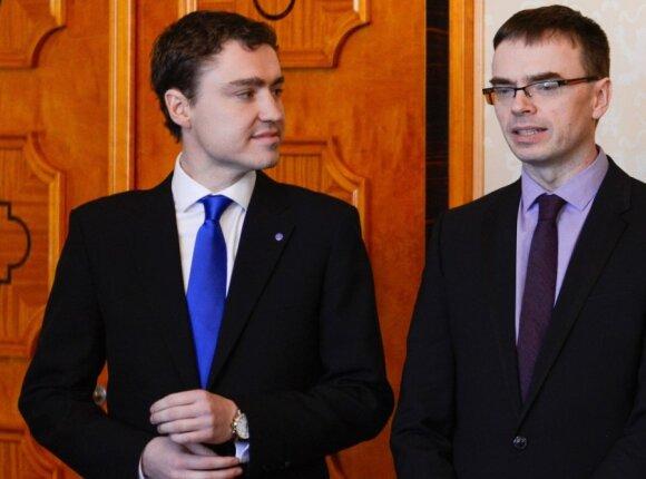 Estijos premjeras Taavi Roivas ir gynybos ministras Svenas Mikseris